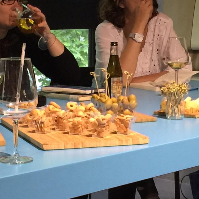 Momenti di intrattenimento culinario durante il bookclub