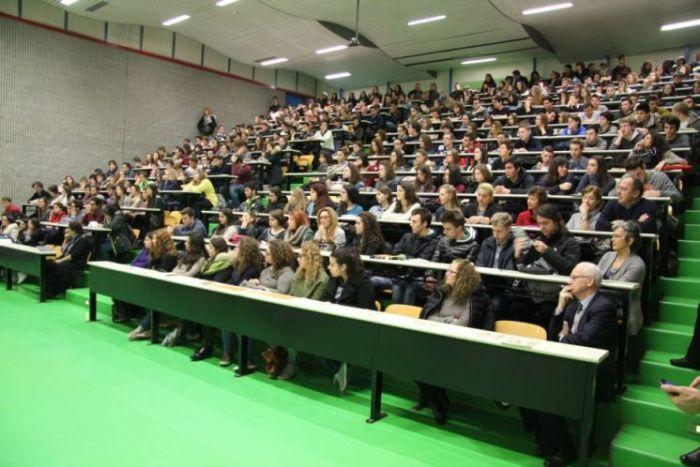 3-studenti-e-docenti-allinaugurazione-del-Salone